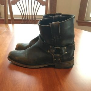 Women's Frye 8.5 Distressed Harness Square Boot